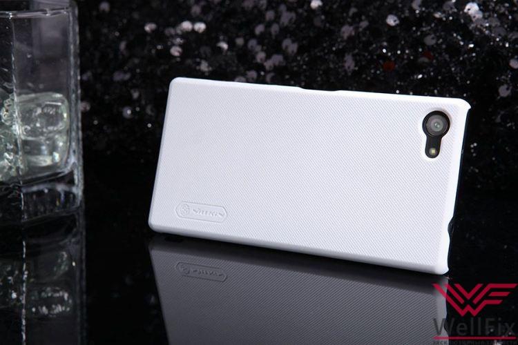 Чехол Sony Xperia Z5 Compact белый (Nillkin, пластик) - 1