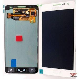 Дисплей Samsung Galaxy A3 SM-A300F с тачскрином белый